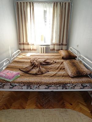 Квартира біля метро Дружби Народів, 2-кімнатна, 002