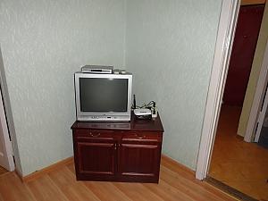 Квартира біля метро Дружби Народів, 2-кімнатна, 003
