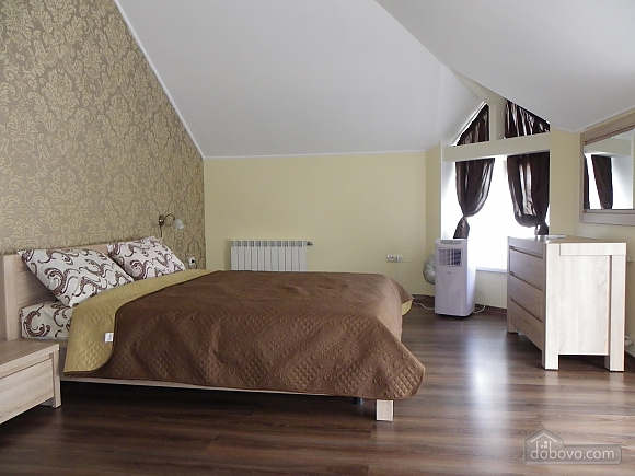 Затишна квартира з сучасним ремонтом, 2-кімнатна (39349), 001