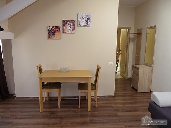 Затишна квартира з сучасним ремонтом, 2-кімнатна (39349), 007