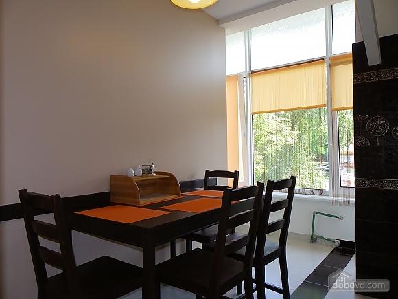 Затишна квартира з сучасним ремонтом, 2-кімнатна (39349), 009