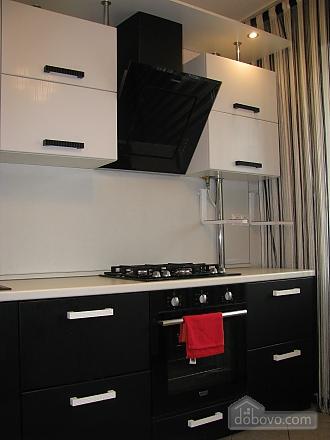 Апартаменти з ремонтом, 1-кімнатна (15226), 001