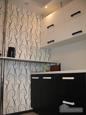 Апартаменти з ремонтом, 1-кімнатна (15226), 003