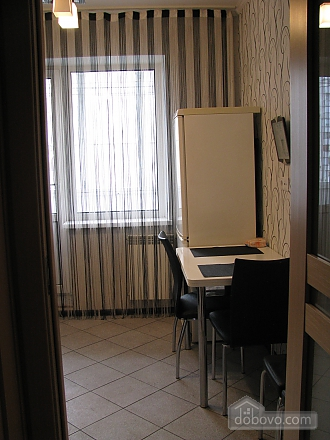 Апартаменти з ремонтом, 1-кімнатна (15226), 004