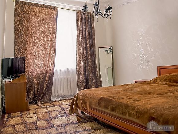 Квартира возле набережной, 1-комнатная (88570), 002