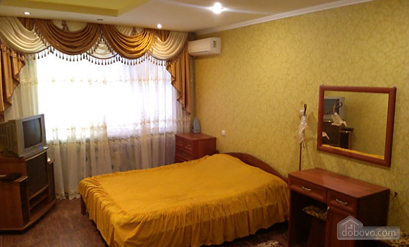 Spacious apartment with big bed, Monolocale (16108), 001