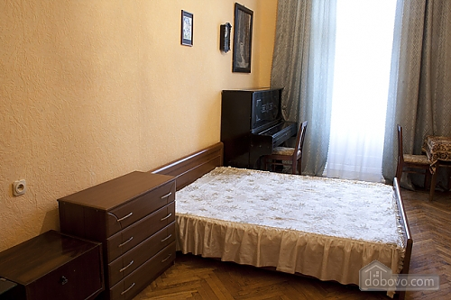 36 Богдана Хмельницкого, 1-комнатная (28018), 001