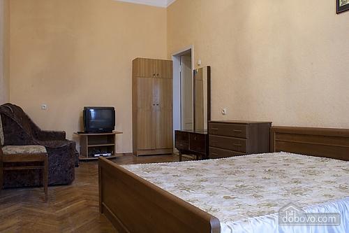 36 Богдана Хмельницкого, 1-комнатная (28018), 003