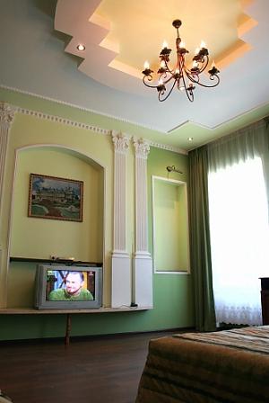 Квартира в центрі біля цирку, 1-кімнатна, 002