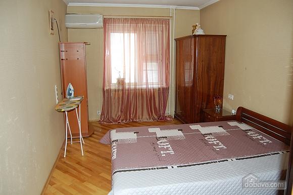 Apartment close to KPI metro station, Un chambre (73570), 002