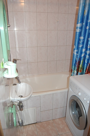 Квартира біля метро КПІ, 2-кімнатна, 004