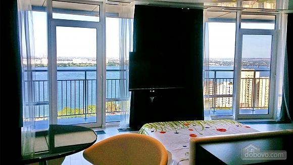 Luxury apartment in Most City with balcony and view on Dniepr river, Studio (40723), 008