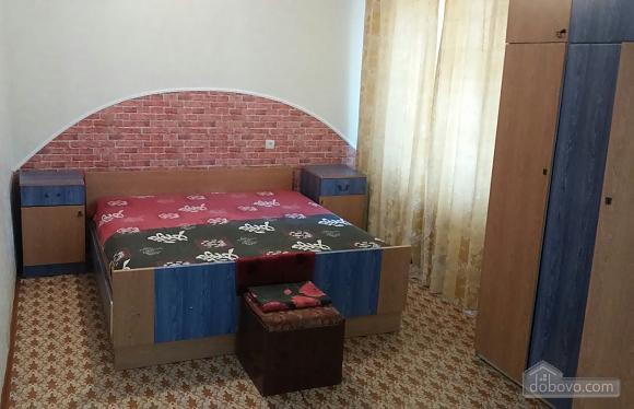Компактна і практична квартира, 2-кімнатна (92752), 001