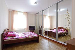 Квартира з окремими кімнатами, 2-кімнатна, 001