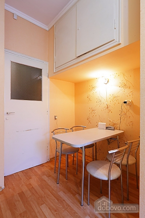 Apartment with separate rooms, Zweizimmerwohnung (39380), 006