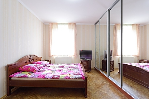 Квартира з окремими кімнатами, 2-кімнатна, 007