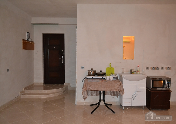 Apartment next to Lisova station, Una Camera (69400), 002