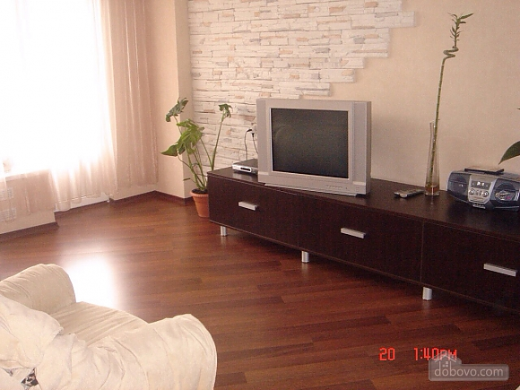 Excellent apartment with jacuzzi in the center of Kiev, One Bedroom (69117), 003