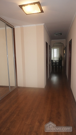 Apartment near to Olimpyiskyi stadium, Due Camere (59692), 002