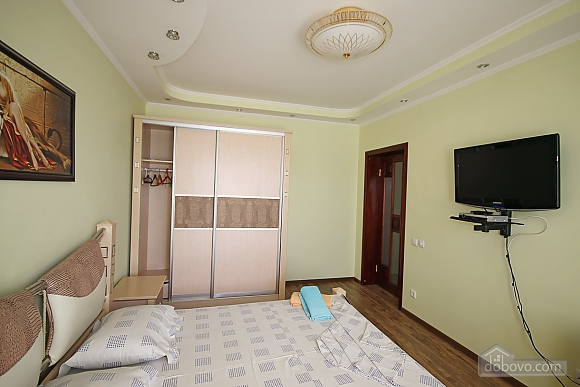 Apartment near to Olimpyiskyi stadium, Due Camere (59692), 010