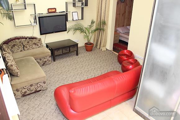 Квартира возле Гранд Плаза, 2х-комнатная (89247), 001