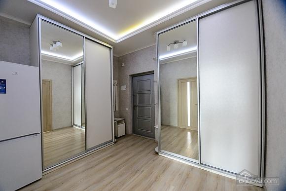 VIP квартира, 2х-комнатная (79335), 004