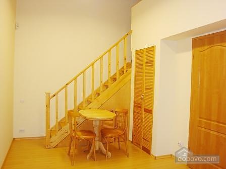 Квартира недалеко от Крещатика, 2х-комнатная (20376), 004