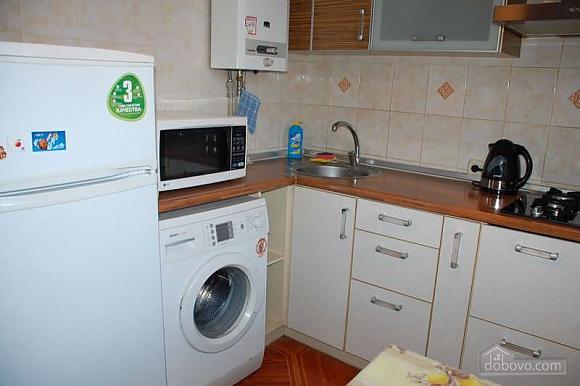 Квартира з ремонтом в самому центрі, 2-кімнатна (51786), 005
