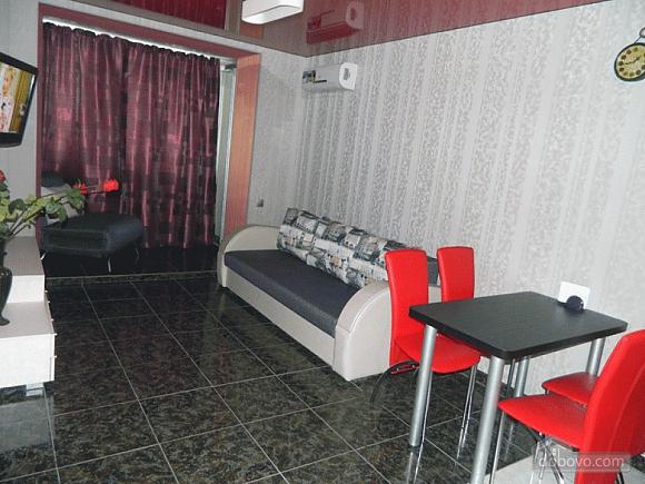 Квартира в центрі, 2-кімнатна (66177), 003