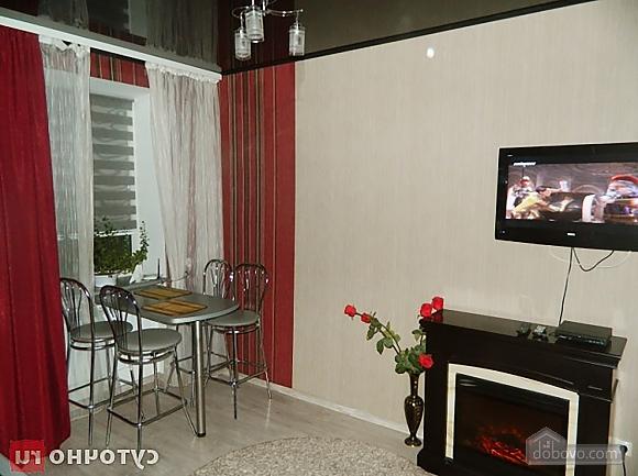 Шикарна квартира в центрі з дизайнерським ремонтом, 2-кімнатна (45217), 004