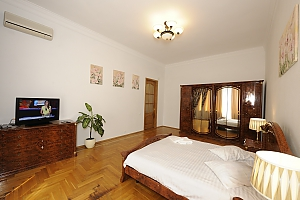 Nice apartment in Pasazh, Dreizimmerwohnung, 002