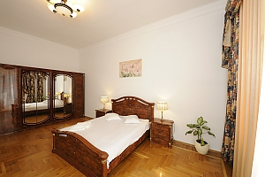 Nice apartment in Pasazh, Dreizimmerwohnung, 003