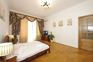 Nice apartment in Pasazh, Dreizimmerwohnung, 004