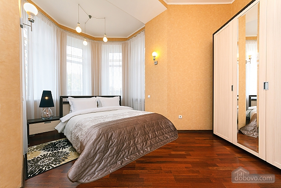 LUX two bedroom apartment on 27 Khreshchatyk with terrace, Dreizimmerwohnung (92933), 002