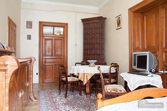 Antique apartment on the main square, Three Bedroom (49052), 019