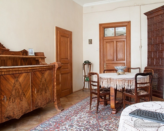 Antique apartment on the main square, Three Bedroom (49052), 026