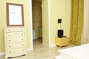Suite in the nice mini hotel, Studio, 002