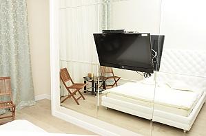 Suite in the light mini hotel, Studio, 003