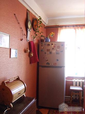 Apartment in 5 minutes walk from Darnitsa station, Una Camera (36852), 004