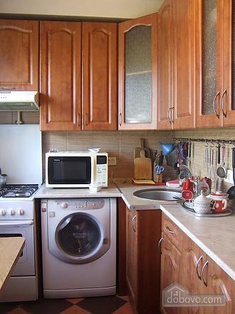 Apartment in 5 minutes walk from Darnitsa station, Una Camera (36852), 006
