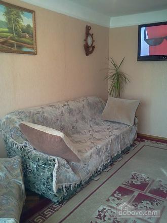 Apartment in 5 minutes walk from Darnitsa station, Una Camera (36852), 010