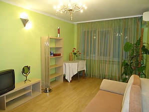 Cosy apartment in bright colours, Zweizimmerwohnung, 002
