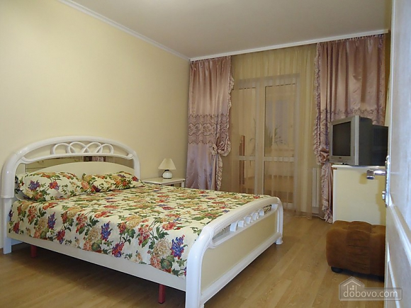 Cosy apartment in bright colours, One Bedroom (26689), 001