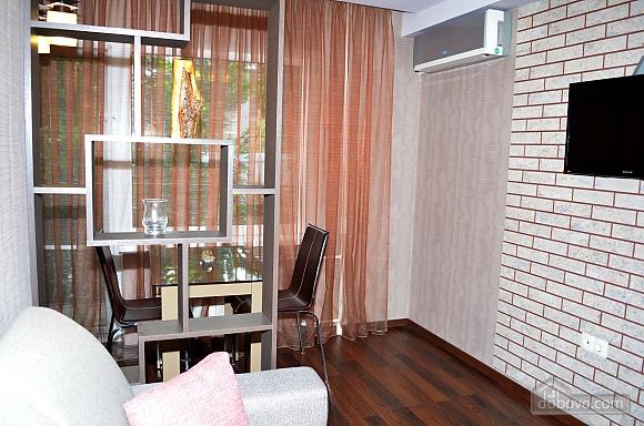 Luxury apartment with renovation, Zweizimmerwohnung (22515), 002