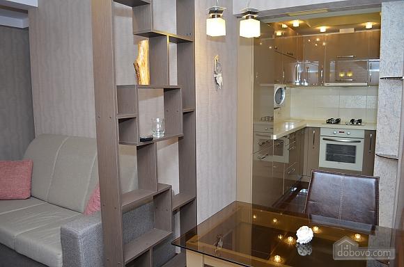 Luxury apartment with renovation, Zweizimmerwohnung (22515), 010