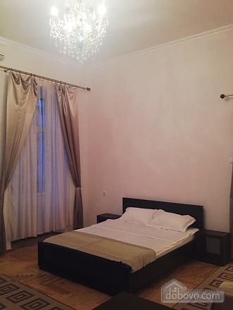 Apartment on Nezalezhnosti square, Studio (81028), 001