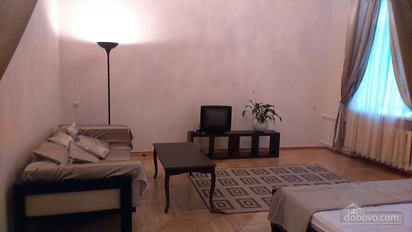 Apartment on Nezalezhnosti square, Studio (81028), 002