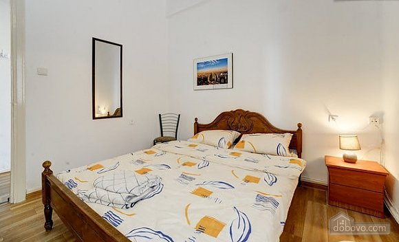 On the embarkment of Tel Aviv, Un chambre (63058), 006