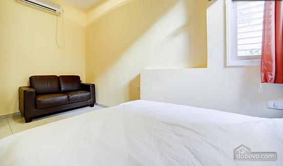 Bright apartment in Tel Aviv city center, Un chambre (76320), 010