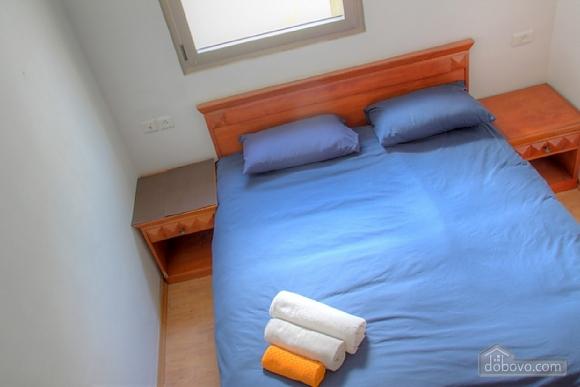Апартаменты в Тель-Авиве с двориком, 2х-комнатная (76495), 003